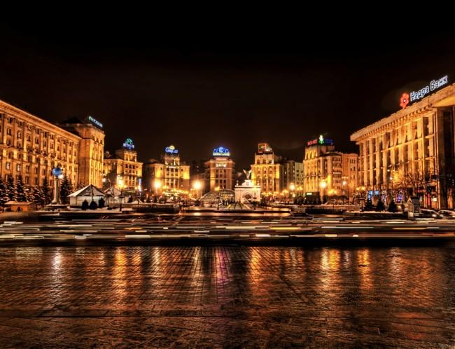 Ночная площадь Независимости в Киеве