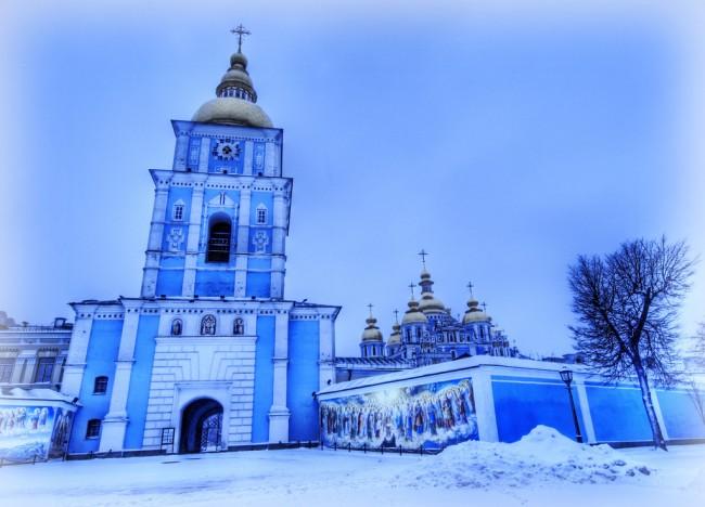 Зима у Михайловского собора