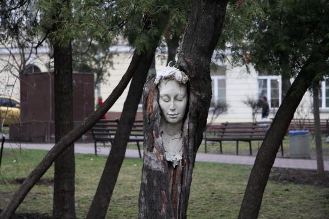 Бюст Мавки авторства Константина Скритуцкого, парк Гончара