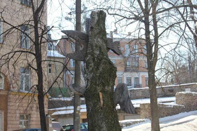 Скульптура из дерева Крокодил скульптора Константин Скритуцкий, улица Коцюбинского, парк Олеся Гончара