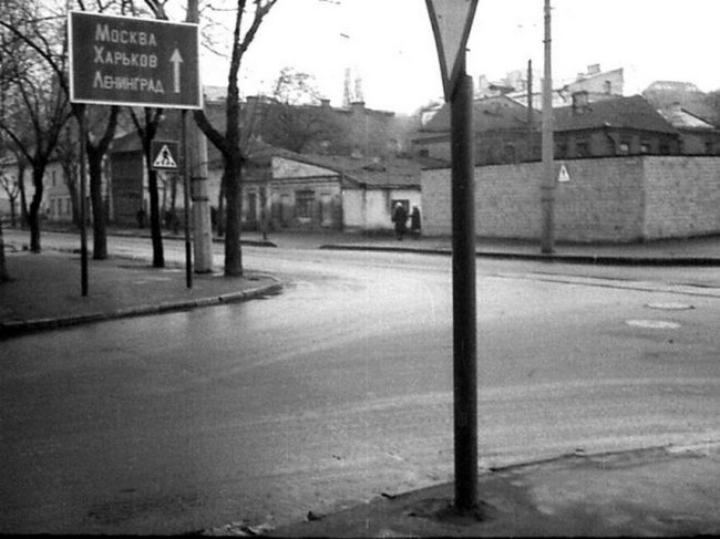 1980-е годы. Константиновская улица, 55 и 57. Угол Юрковской.