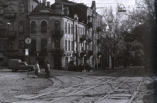Угол Дмитриевской и Павловской улиц в 70-х годах