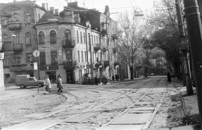 На улице Дмитриевской улице в 80-х годах