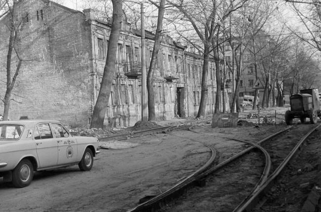 На Дмитриевской улице в 80-х годах