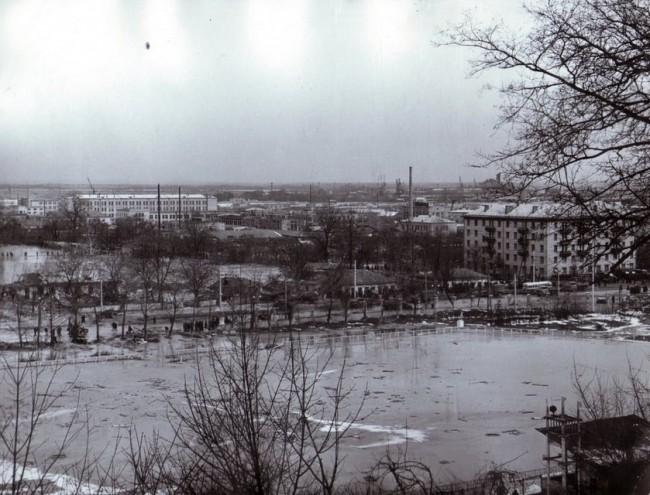 Затопленный стадион Спартак через несколько часов после Куреневской трагедии
