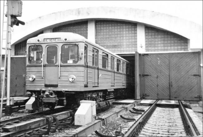 Станция метро Лесная (Пионерская)