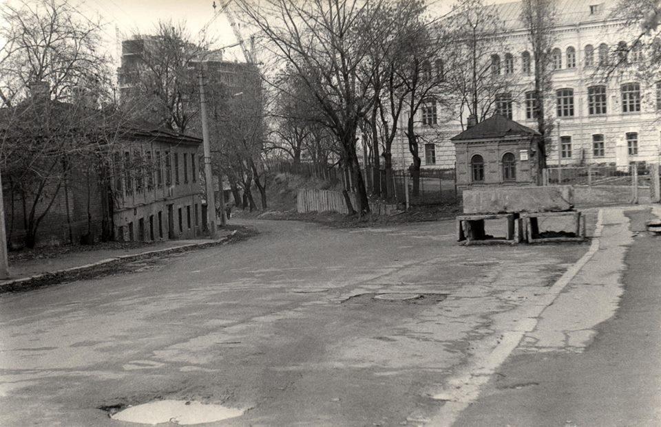 1981 год. Вознесенский спуск (Смирнова-Ласточкина). Справа - художественная академия, слева строительство больницы ученых