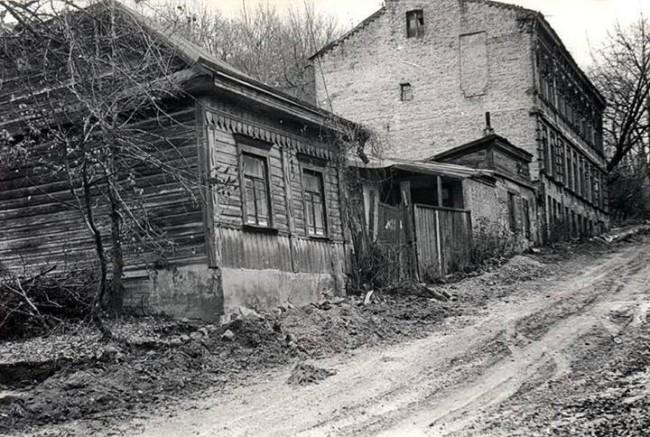 На улице Смирнова-Ласточкина в 81 году