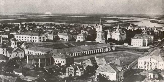 Гостиный двор в начале века, Киев