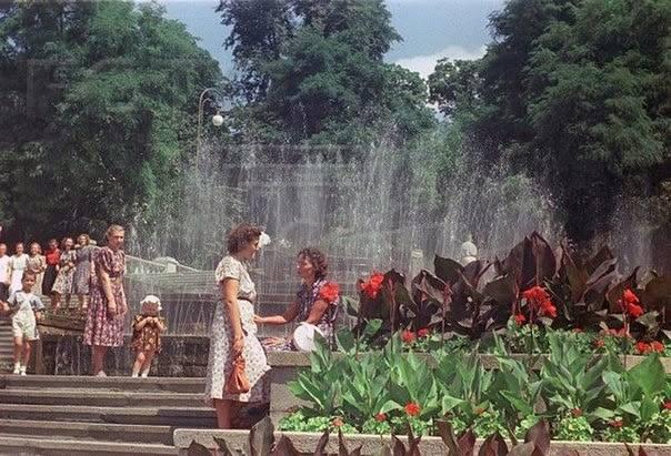 Мариинский парк в 50-х годах