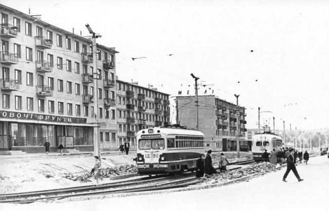 Отрадный, бульвар Лепсе, Киев, трамвайная линия