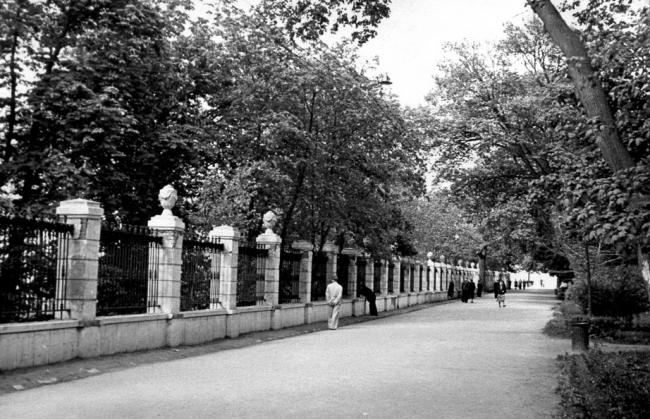 Мариинский парк в Киеве в 58 году