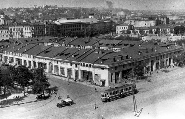 Вид сверху на Гостиный двор в 60-х годах