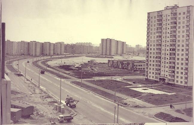 На проспекте Героев Сталинграда в Киеве в 80-х годах