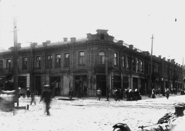 Угол Константиновской и Верхнего Вала в 35-м году на Подоле