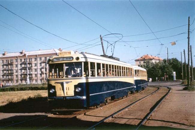 Трамвай на площади Шевченко в 59 году