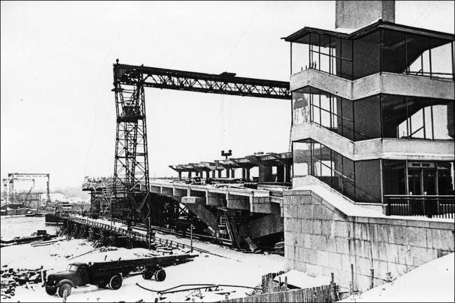 Как строили мост Метро