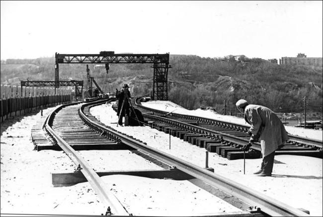 Как строили мост Метро через Днепр