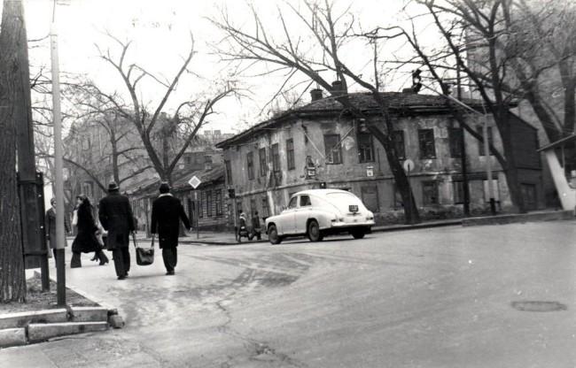 Дом 46 на Верхнем Валу на Подоле в 70-х годах