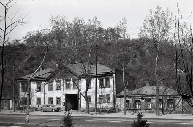 Автомобиль Москвич на Глубочицкой улице
