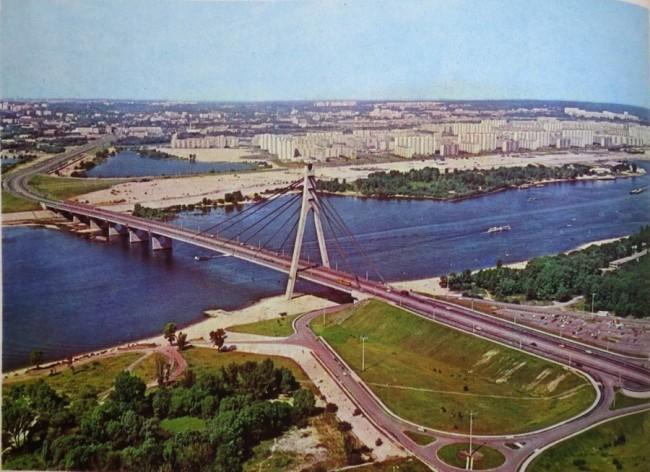 Московский мост, вид с высоты полета в 70-х годах