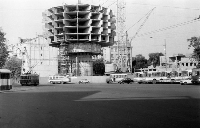 Как строили гостиницу Салют на площади Славы в 81 году