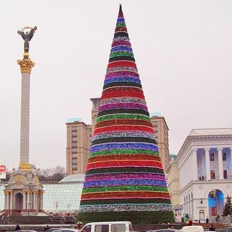 2012 год. Новогодняя елка на Майдане, одна из самых странных в истории