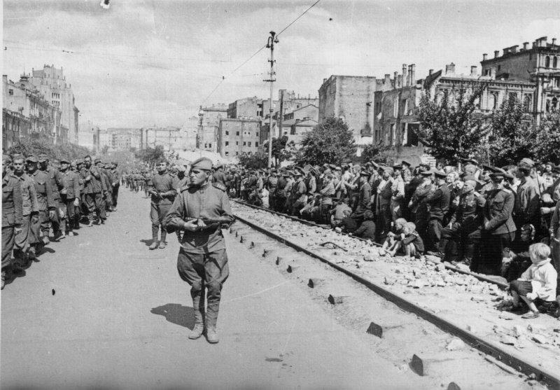 Пленные немцы в Киеве в 44 году
