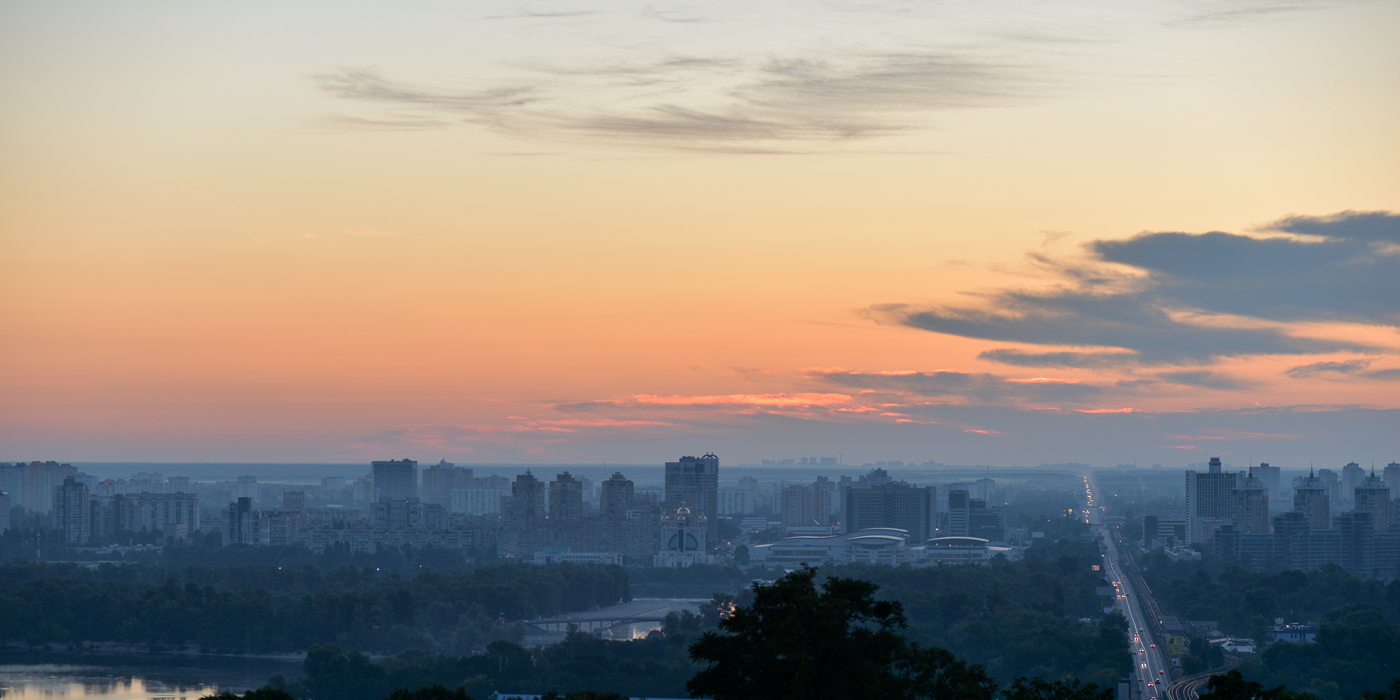 Киев на рассвете. Фото Дмитрия Фоменко.