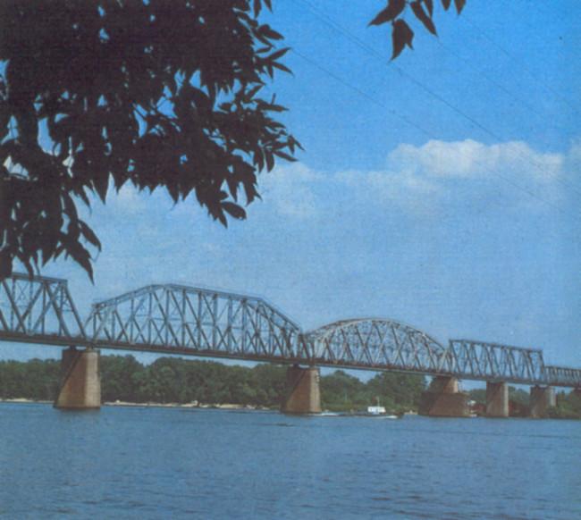1980-е годы. Петровский железнодорожный мост