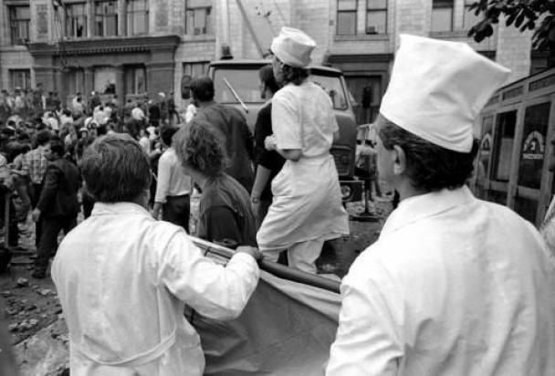 2 августа 1989 года. Трагедия у Главпочтамта - врачи готовы оказывать помощь пострадавшим