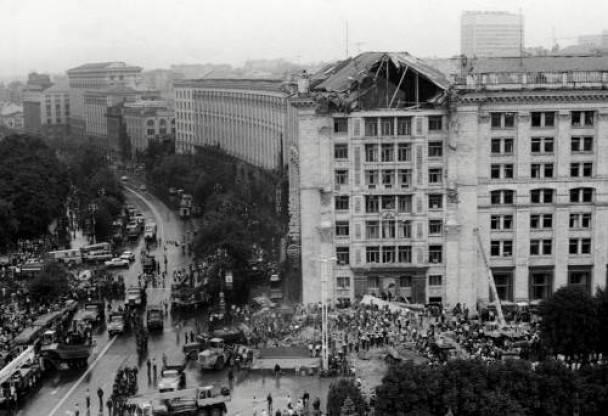 2 августа 1989 года. Трагедия у Главпочтамта - обрушение вершины здания