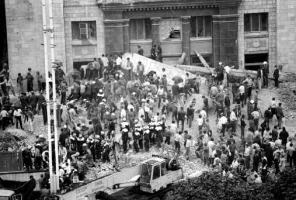 2 августа 1989 года. Трагедия у Главпочтамта - разбор завалов после обрушения