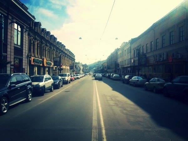Улица Сагайдачного после - без рекламы, незаконные конструкции убрали