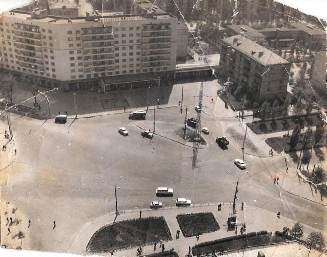 Площадь Космонавтов в 60-х, Чоколовка