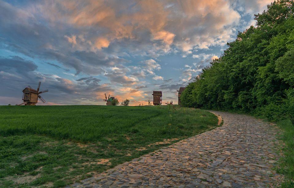 Закат в Пирогово мельницы